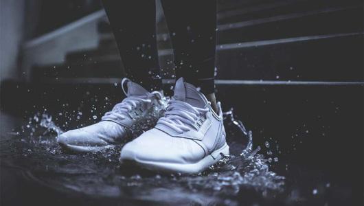 como lavar zapatillas blancas y que no queden amarillas