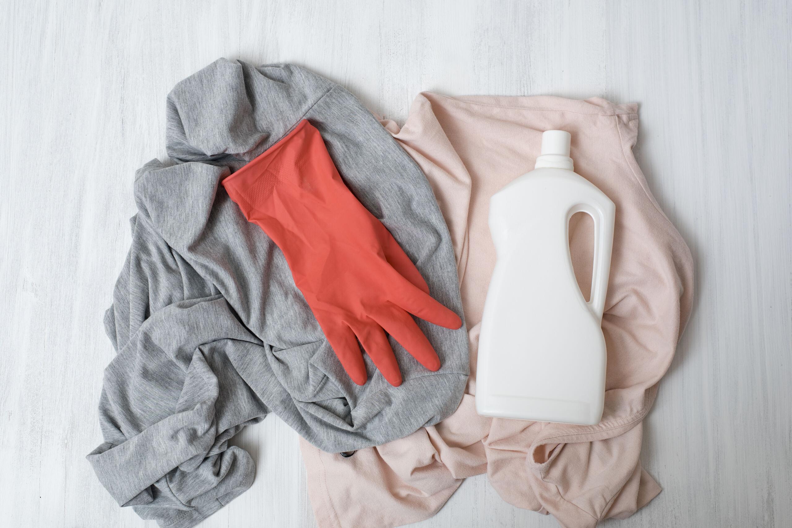 Tus prendas lavadas en seco limpias y en casa